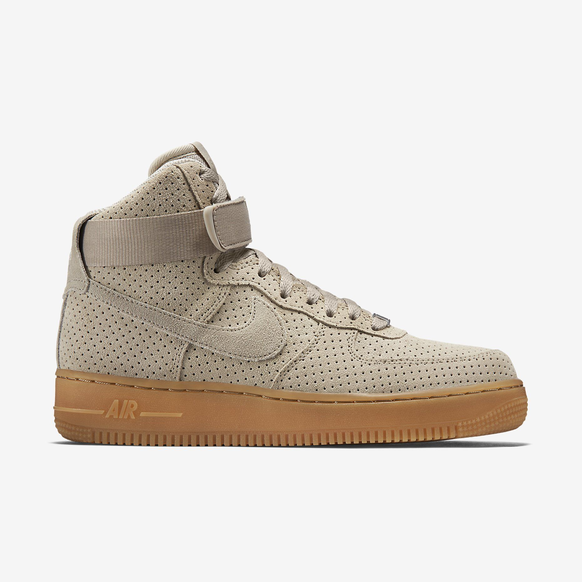 size 40 833a2 db237 Nike Air Force 1 High Suede Women s Shoe. Nike Store