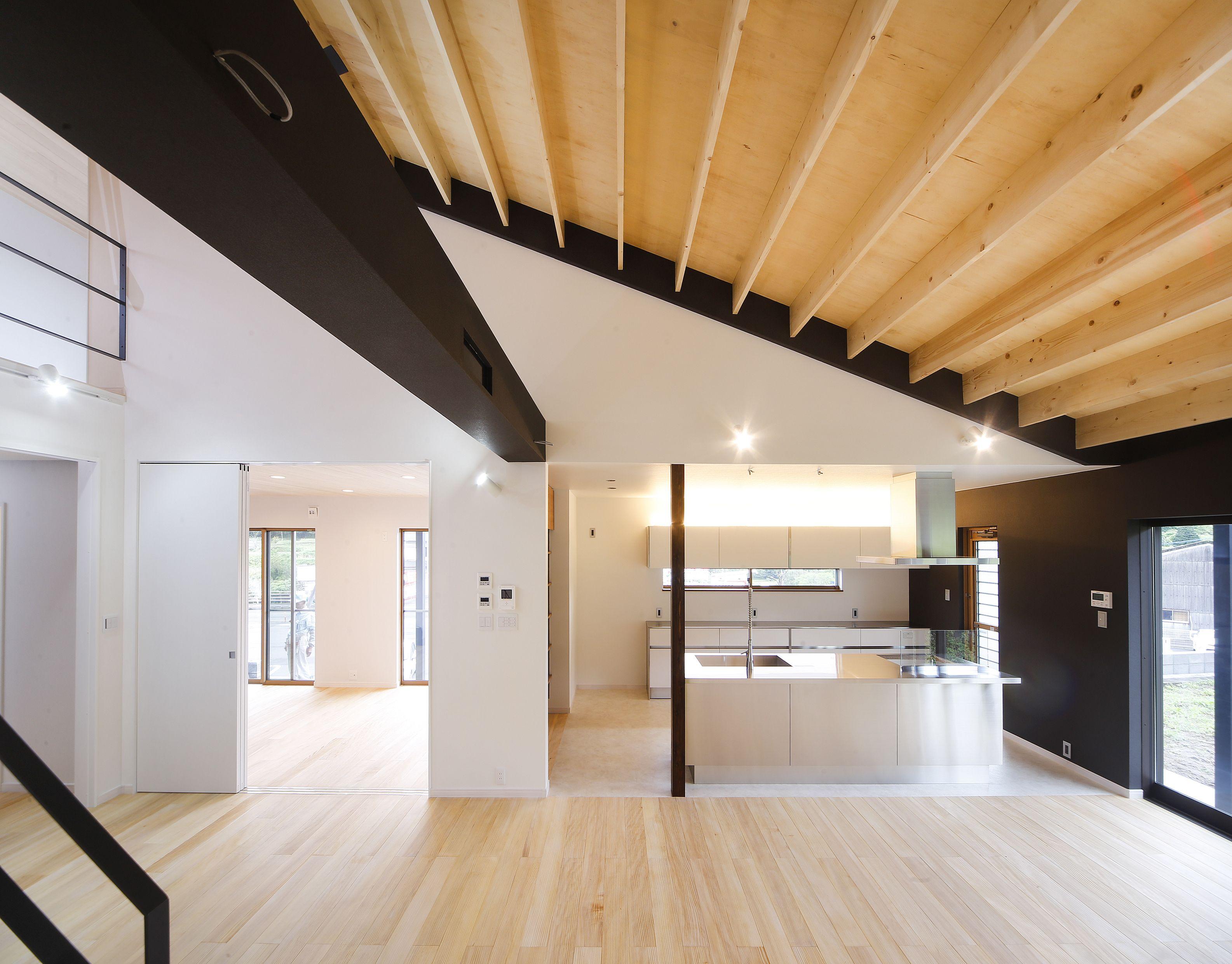 小山田の家 大屋根の家 家 天井 大屋根