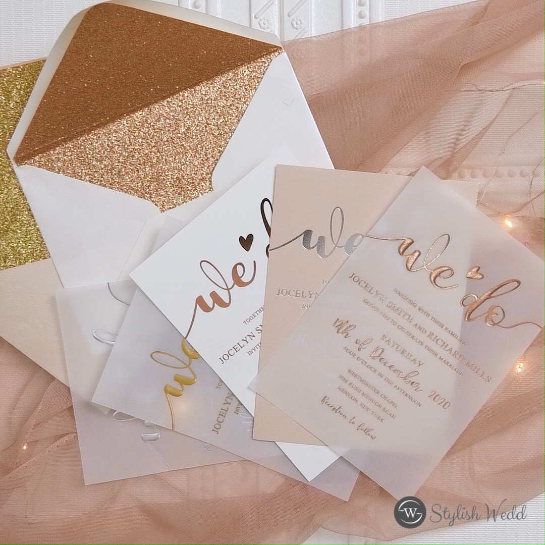 invitaciones de boda personalizadas únicas de vitela de oro rosa / oro / plata