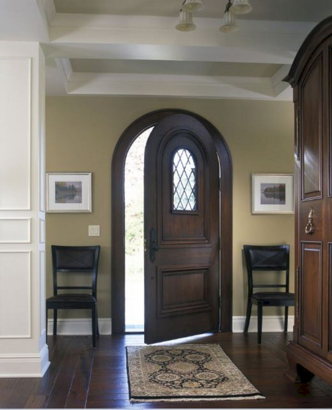 40 Marvelous White Trim With Stained Door Ideas Freshouz Com White Baseboards Stained Doors Stained Trim