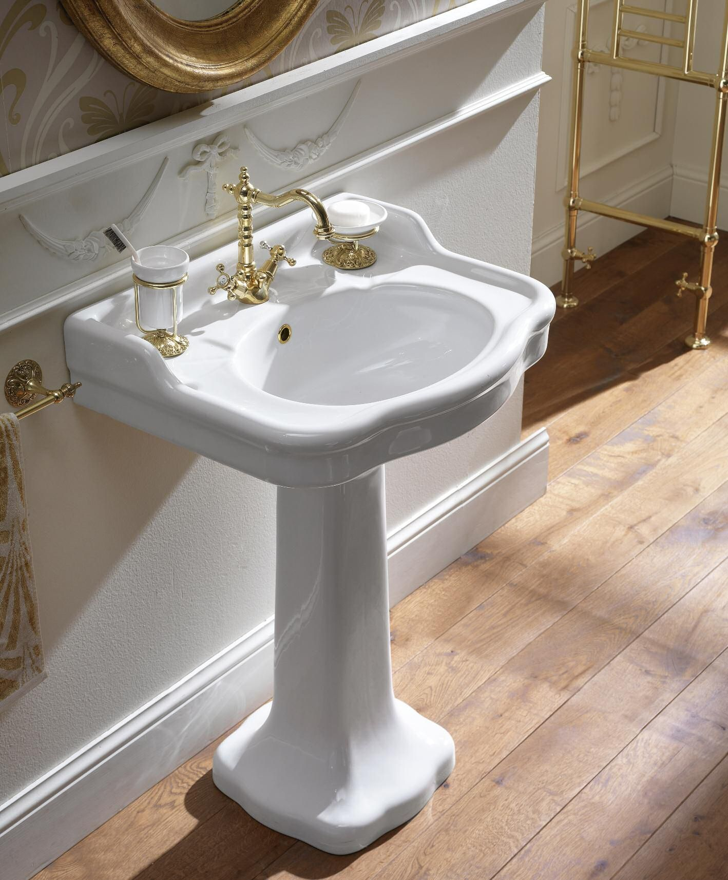sbordoni #palladio #washbasin with pedestal | #ceramic | on, Badezimmer ideen