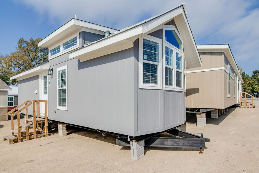 Microsoft Just Released A Free Key For Windows 10 Pro Park Model Homes Pre Manufactured Homes Park Models