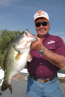 The great bill dance bass fishing legend hunting for Bill dance fishing