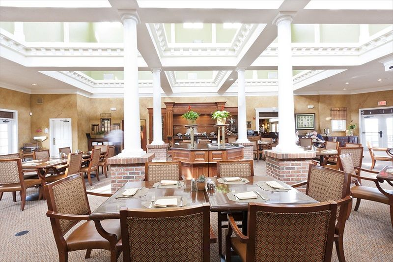 Reunion Clubhouse And Grille Restaurant The Has A Wide Variety Of Traditional American Breakfast Lunch Dinner Menus