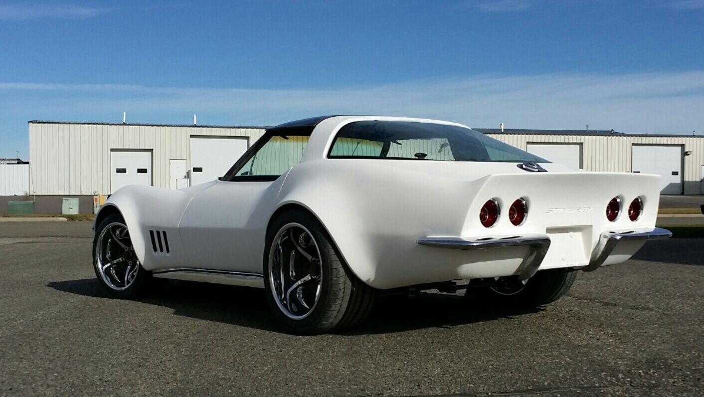 82 Ce Corvette Resto Mod In Primer At Custom Image Corvettes Classic Cars Best Classic Cars Corvette Summer