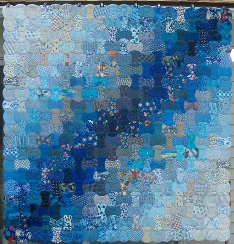 Blue Charm Applecore Quilt By Knitnoid Knitnoid Wordpress Com Watercolor Quilt Monochromatic Quilt Art Quilts