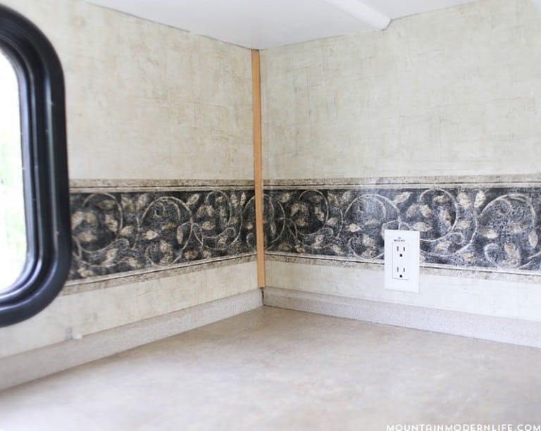 Ready To Remove The Outdated Wallpaper Border In Your Rv Camper Wallpaper Wallpaper Border Remove Wallpaper Borders