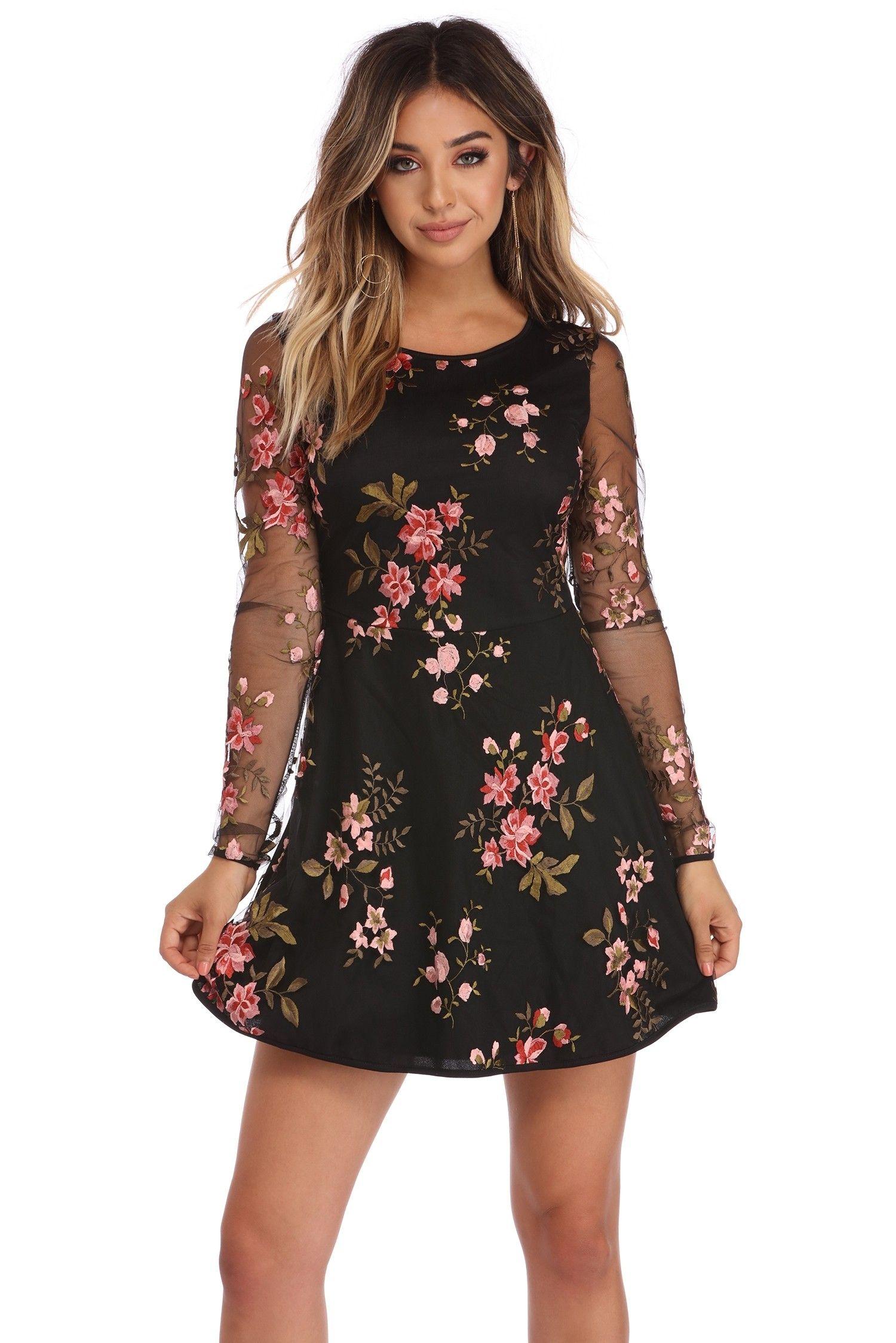 2c2955f5d36 Leah Negro vestido de malla Emborderied Floral Homecoming Dresses