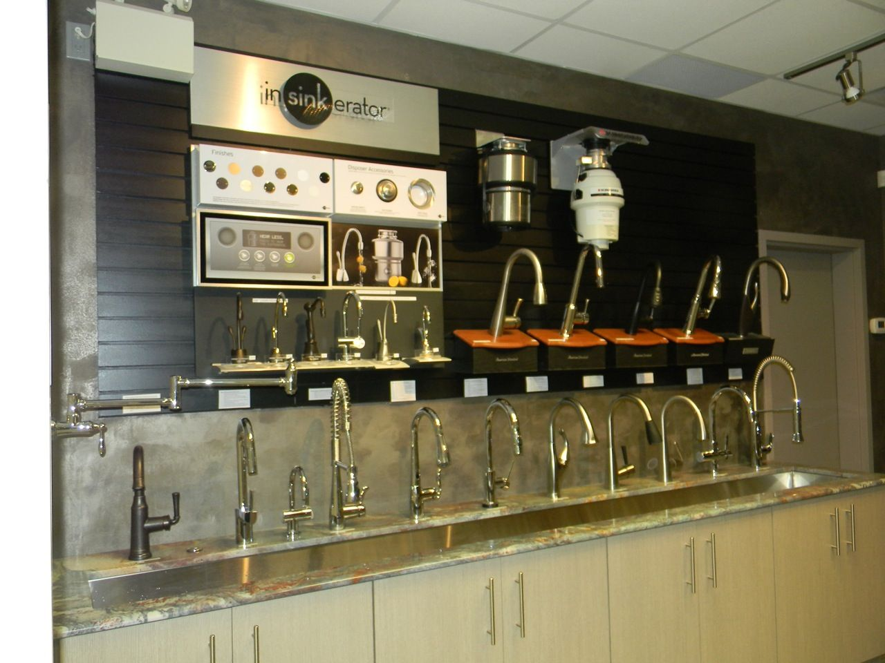 Pin By Angileri Centre On Showroom Kitchen Faucet Displays