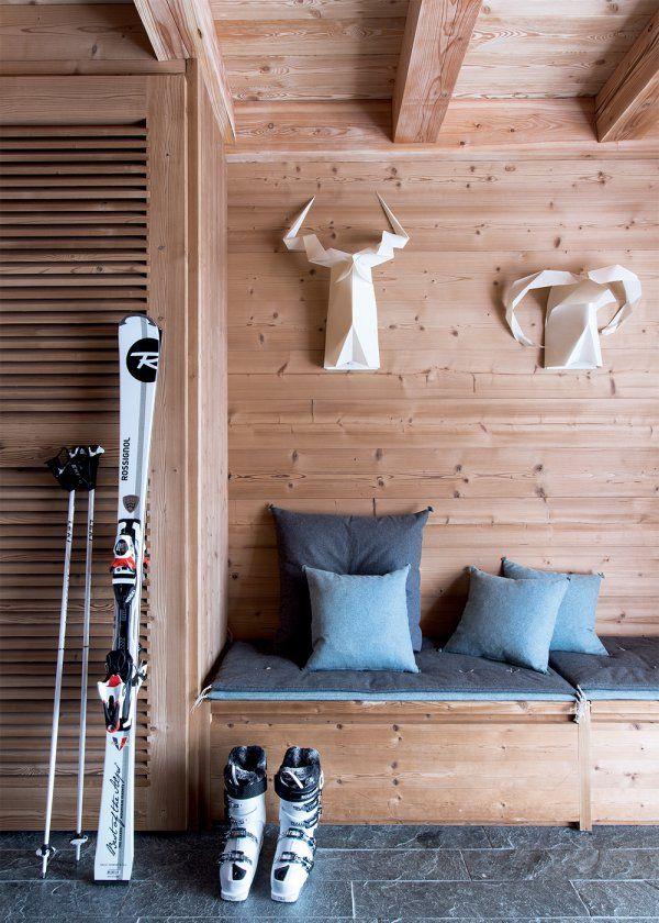 une entr e et sa banquette bleue banquettes cabin and. Black Bedroom Furniture Sets. Home Design Ideas