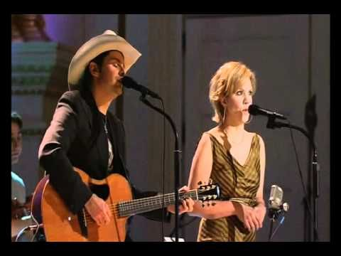 Brad and Allison singing 'Whiskey Lullaby'.  Two great voices joined in a   gut wrenching ... sad song....
