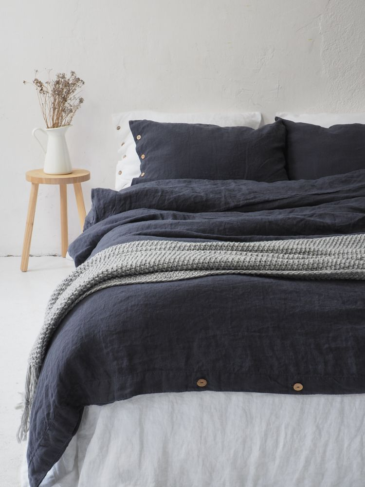Deep Charcoal Linen Pillow Case With Coconut Buttons Linen Etsy Linen Duvet Covers Linen Duvet Linen Duvet Cover King