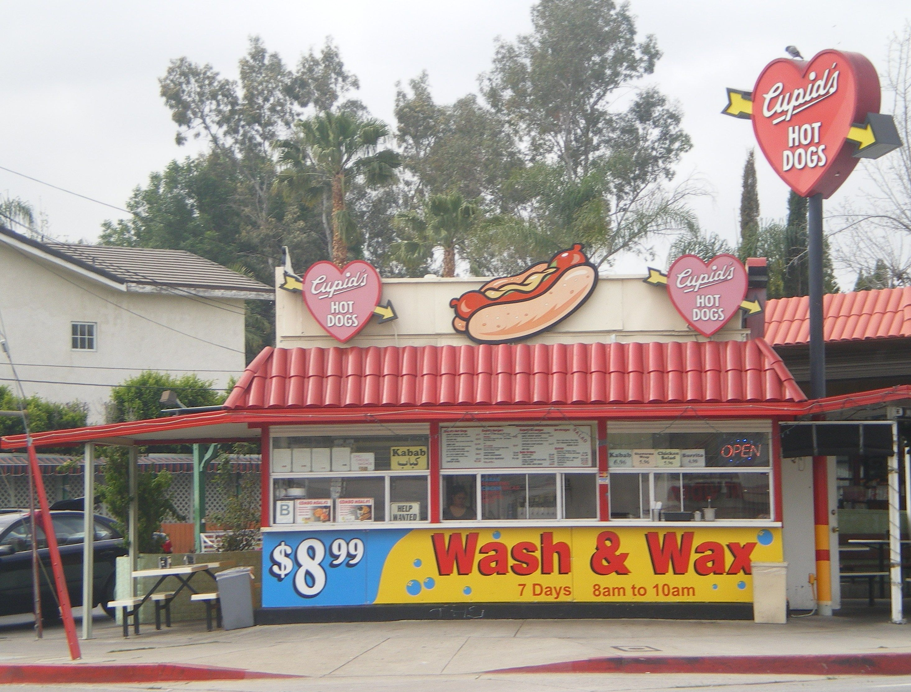 Google Image Result for http://upload.wikimedia.org/wikipedia/commons/c/cb/Cupid%27s_Hot_Dogs,_Ventura_Blvd.,_Tarzana,_California.JPG