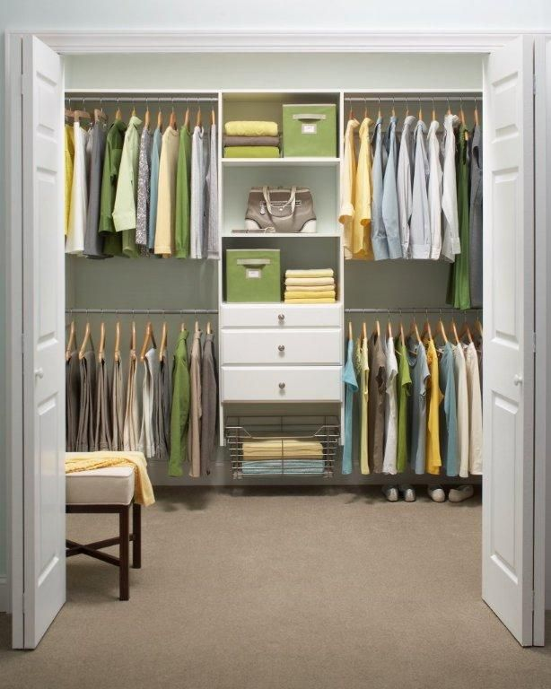 Clear Clutter From Your Closet In 2013 With Martha Stewart Living Schlafzimmer Schrank Schrank Umgestalten Schranksystem