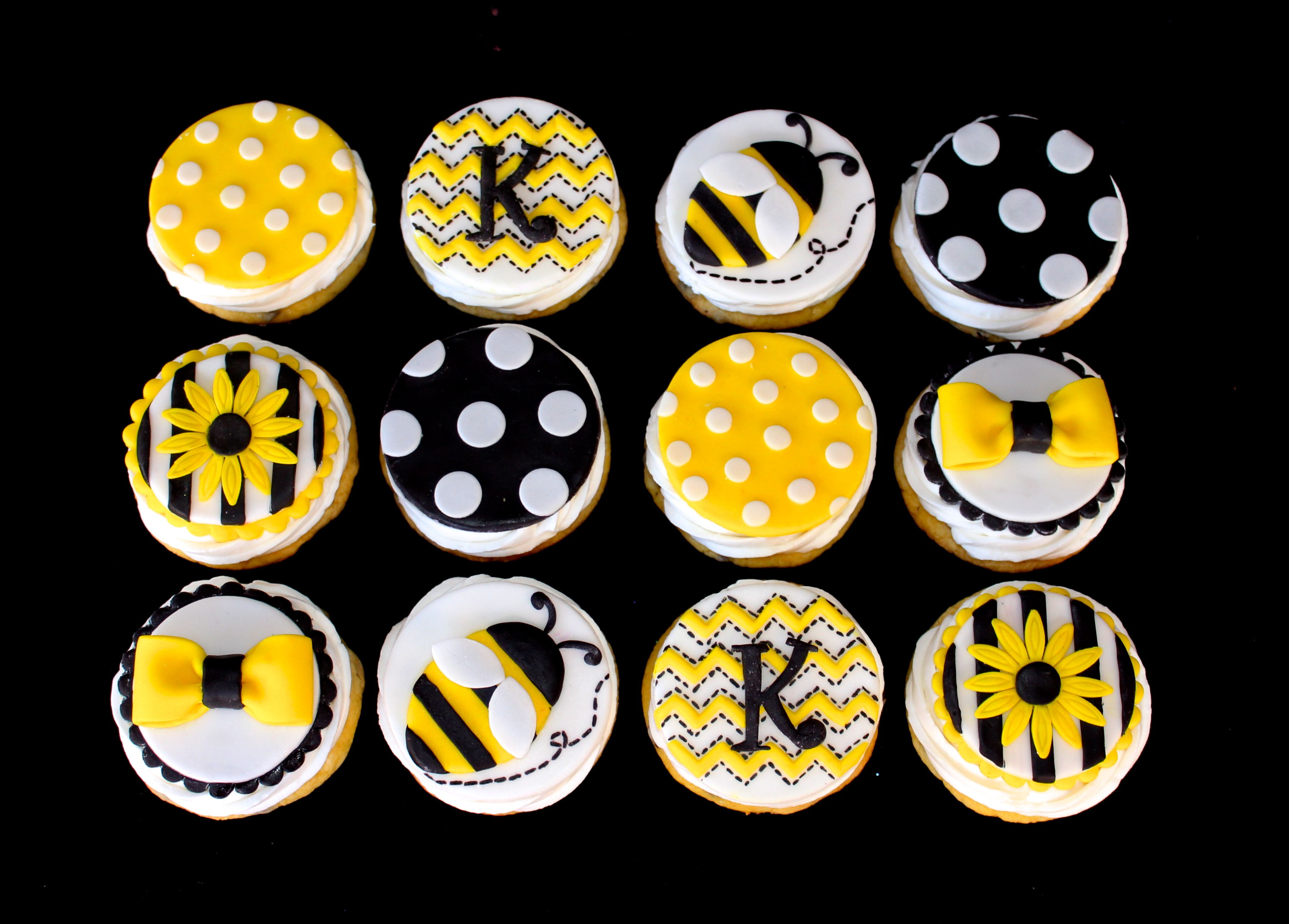 Bee Cupcakes Yellow Black And White Www Cuteologyshop Com With
