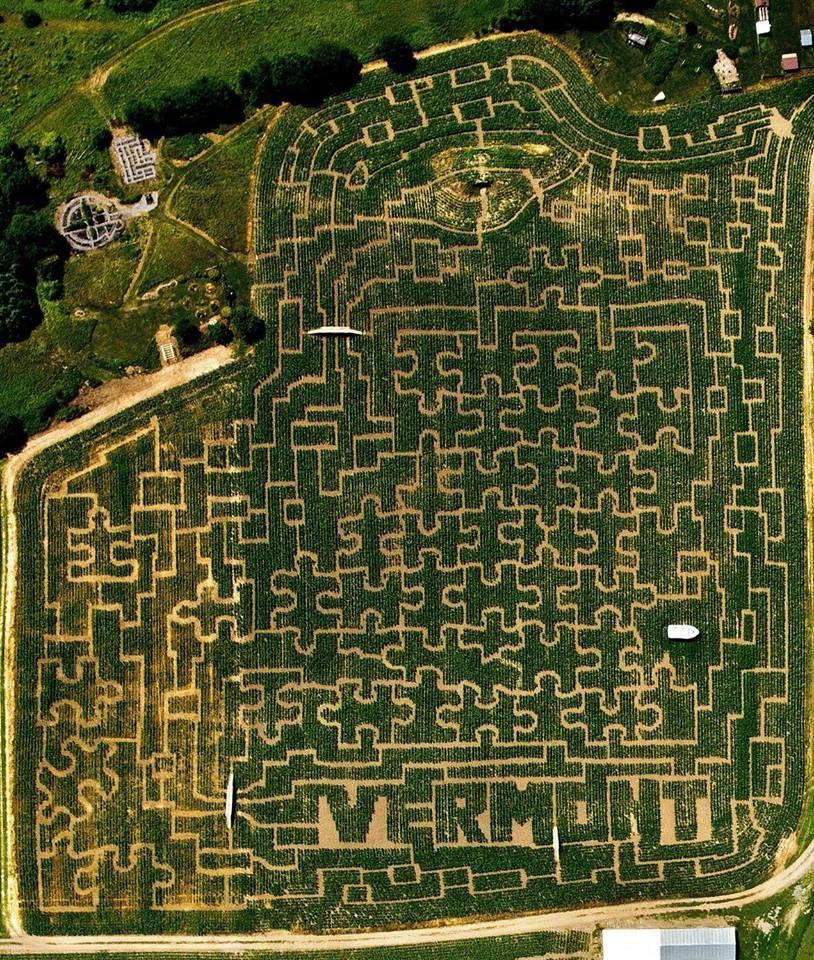 Explore Vermont S Largest Corn Maze Cold Hollow Cider Mill In Waterbury Center Vermont Vermont Corn Maze Trip