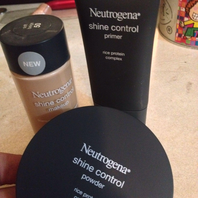 Despues De Tanto Buscar El Mejor Maquillaje Para Piel Grasa Muy Recomendado Neutrogena Shinec Maquillaje Para Piel Grasa Bases Para Piel Grasa Piel Grasosa