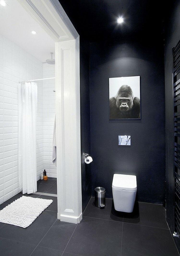 Duo Classique Dans La Salle De Bains   Mur Du0027accent Noir Et Carrelage Mural  Métro En Blanc