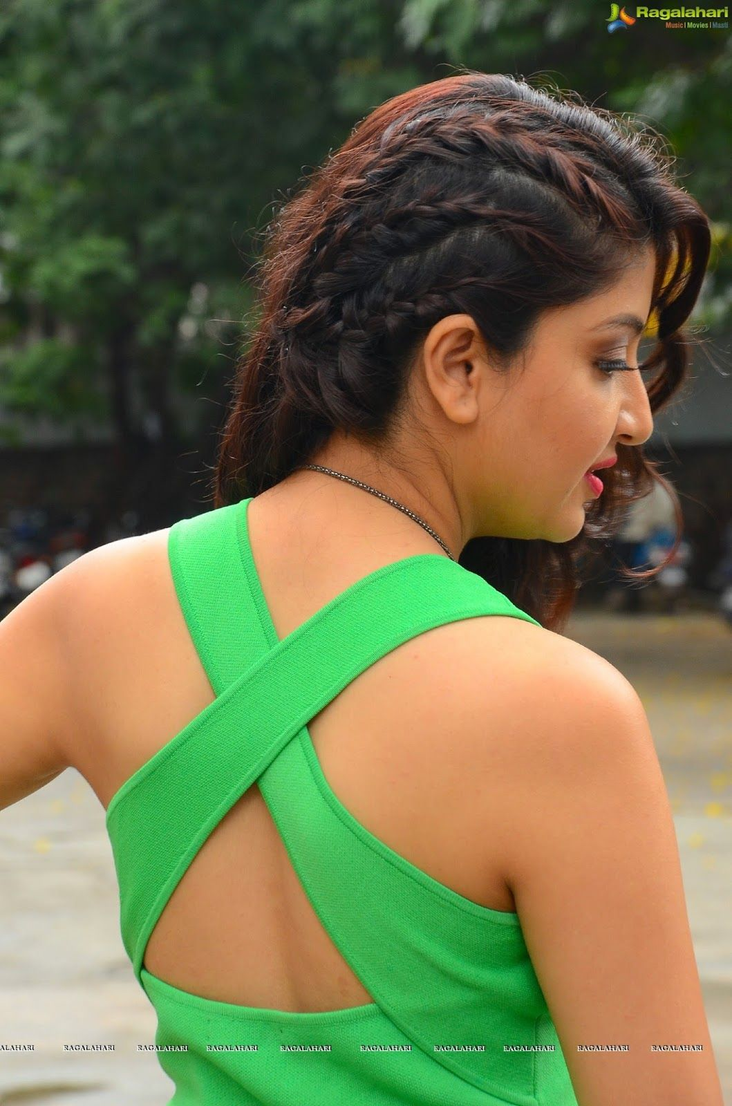 South Indian Actress Poonam Kaur Pics Poonam Kaur Images Poonam
