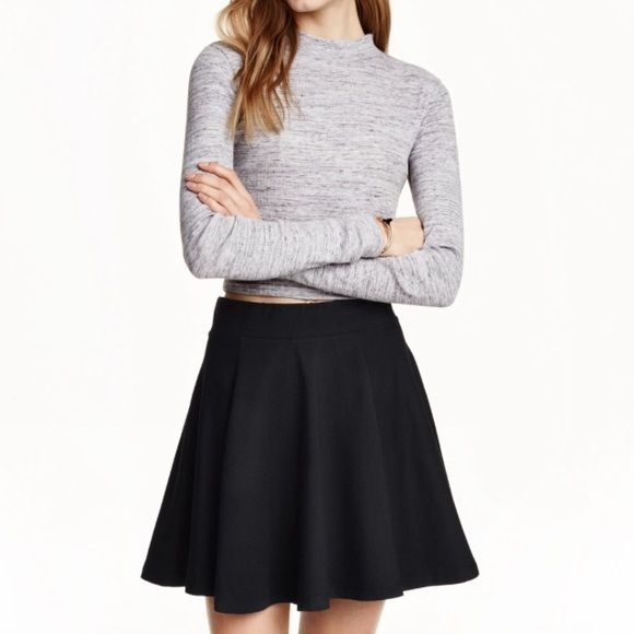b7d4b01fc9 H&M black circle skirt H&M black circle skirt with zipper and elastic waist  Divided Skirts Circle & Skater