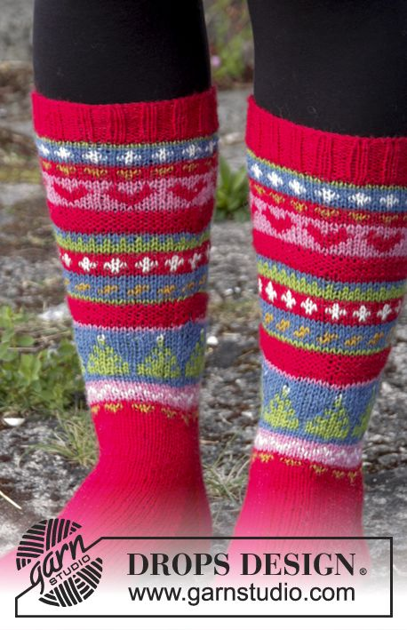Knitted Socks In Multi Coloured Pattern For Christmas Size 35 To 43