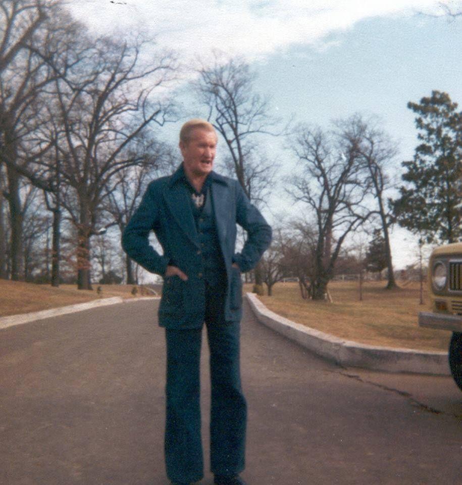 At Graceland Presley }Elvis Brother Vernon's Vester TOXkuPZwi
