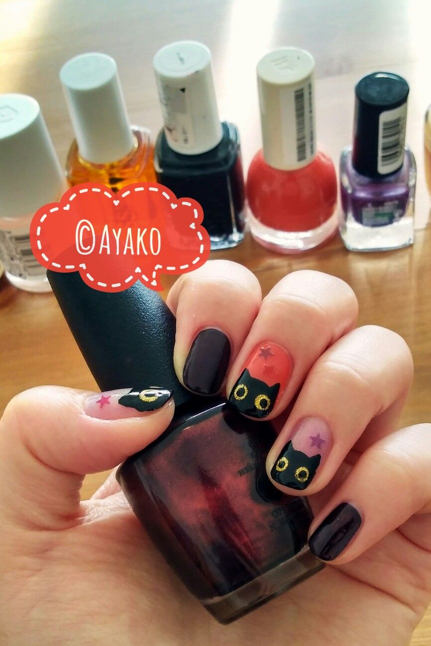 NOTW 15-10-2017. The black cat nails are back! \