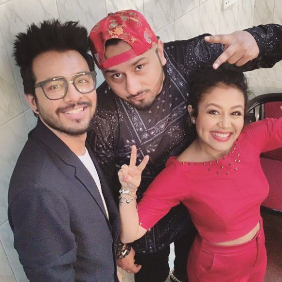 Tony Kakkar Photos Pics Images Hd Wallpaper Allcelebrities Yo Yo Honey Singh Rapper Style Famous Singers