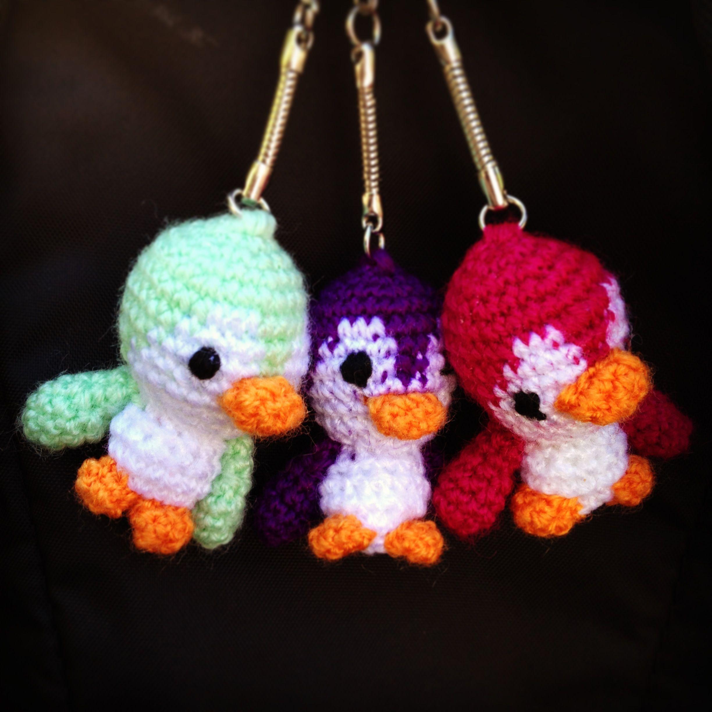 pinguino llavero   crochet keychain patterns   DIY crochet ...