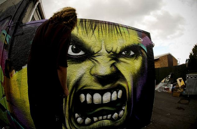 El arte urbano de Owen Dippie, leyendas que cobran vida.