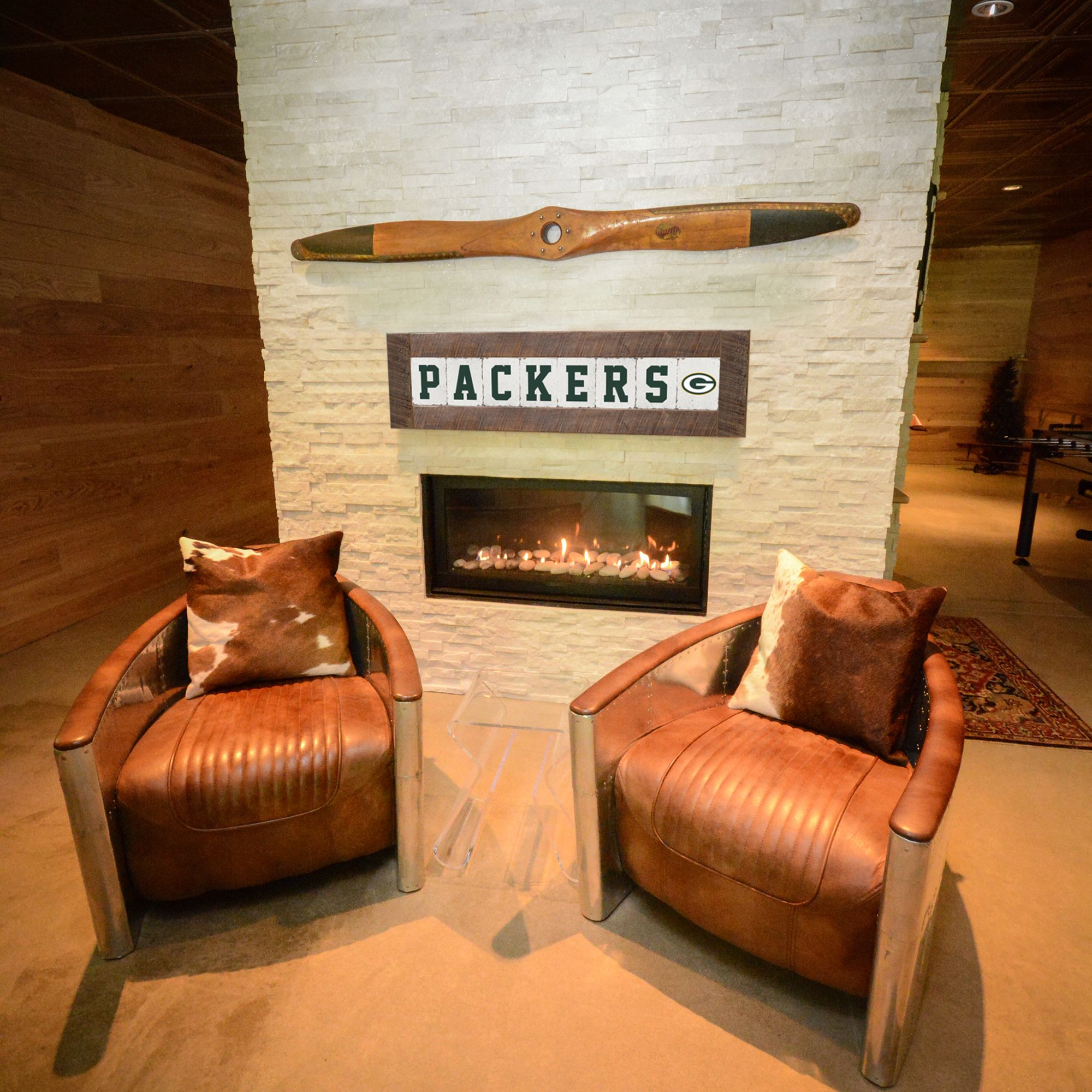 Support The Green Bay Packers And Decorate Your Man Cave With This Rustic Wall Art Sports Themed Room Sports Decorations Rustic Man Cave