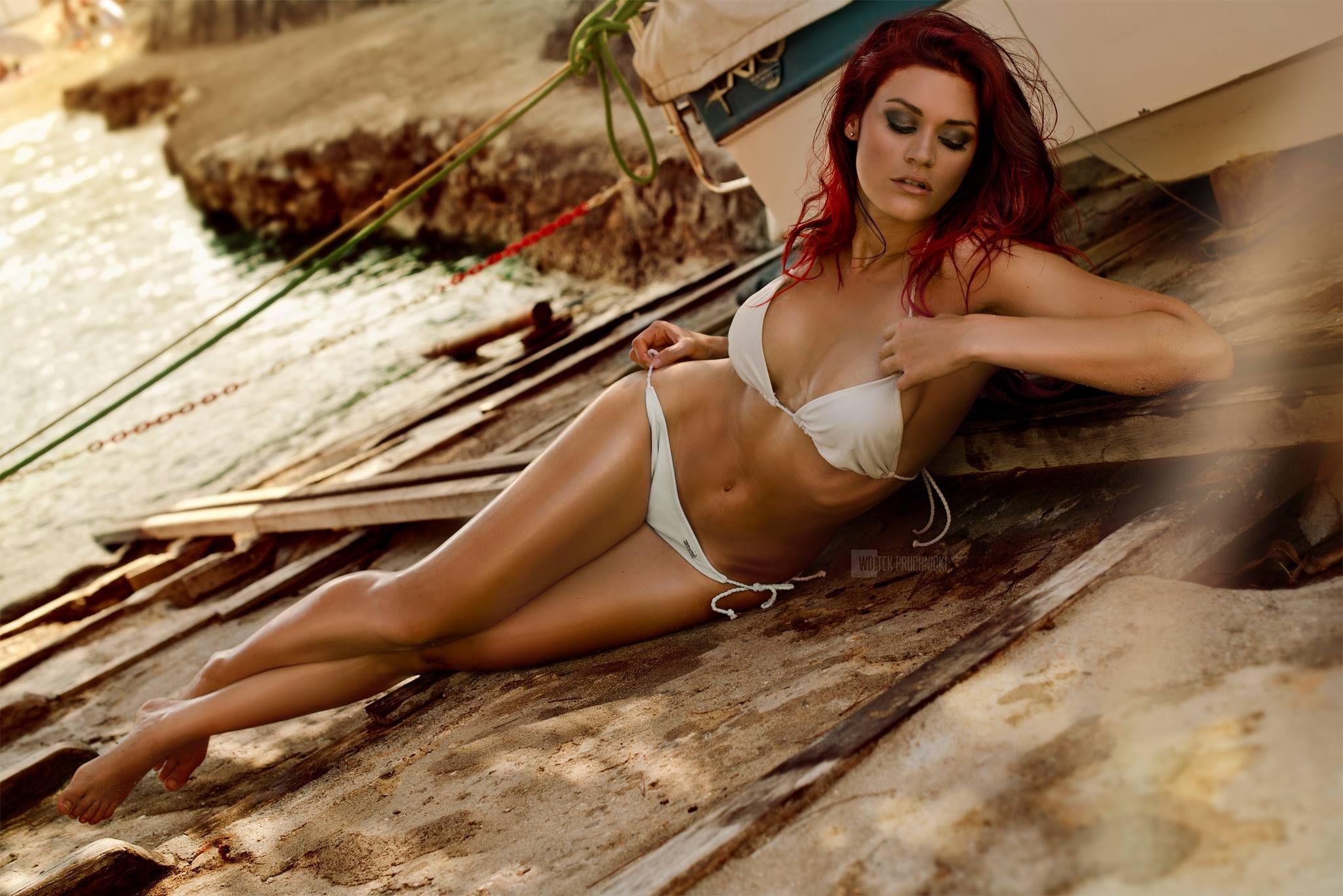 Modell: Christina Braun Photo: Woj Pruchnicki | Modell