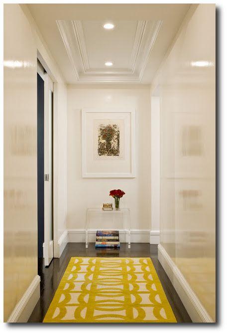 Lacquered white walls high gloss ideas for my new house - Como decorar un pasillo estrecho ...