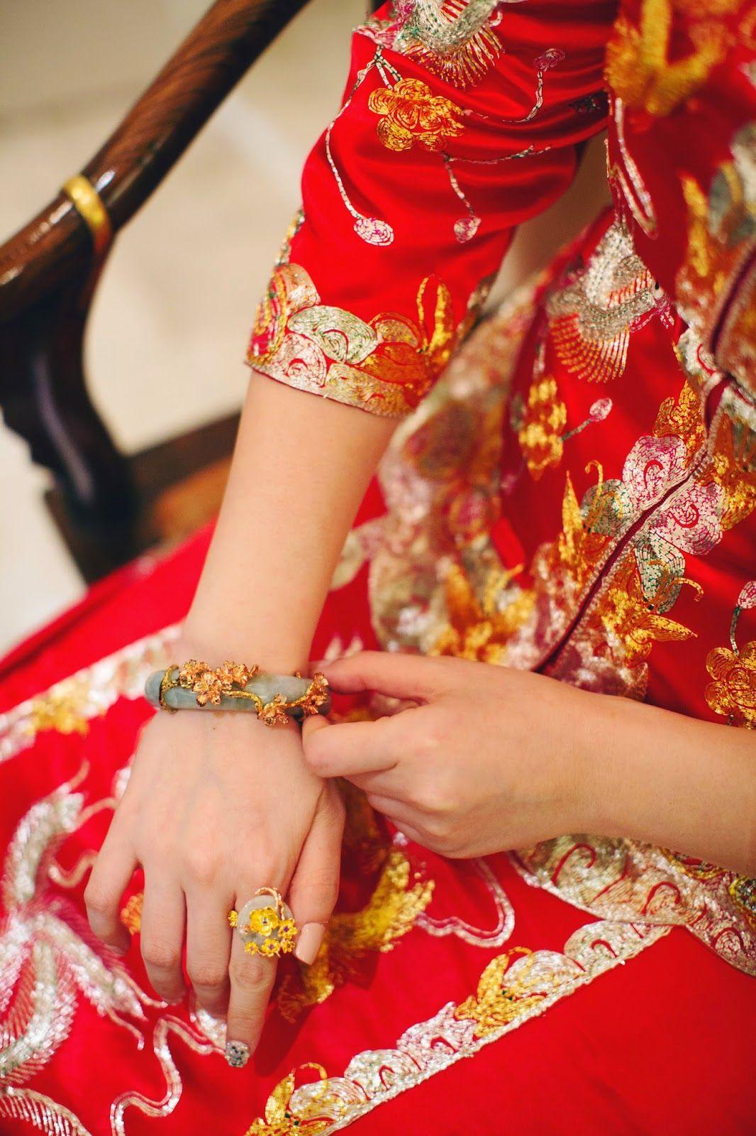 Chinese wedding, qun kwa / kua / cheongsam. Wedding jade and ...