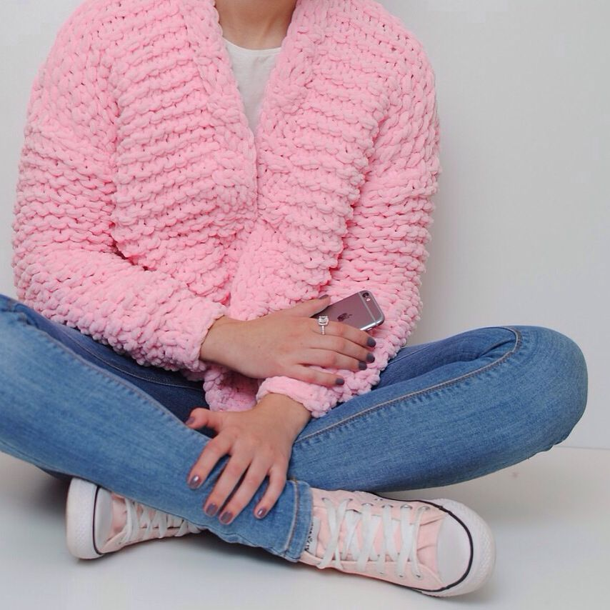 картинки по запросу вяжем из плюшевой пряжи свитера вязаный
