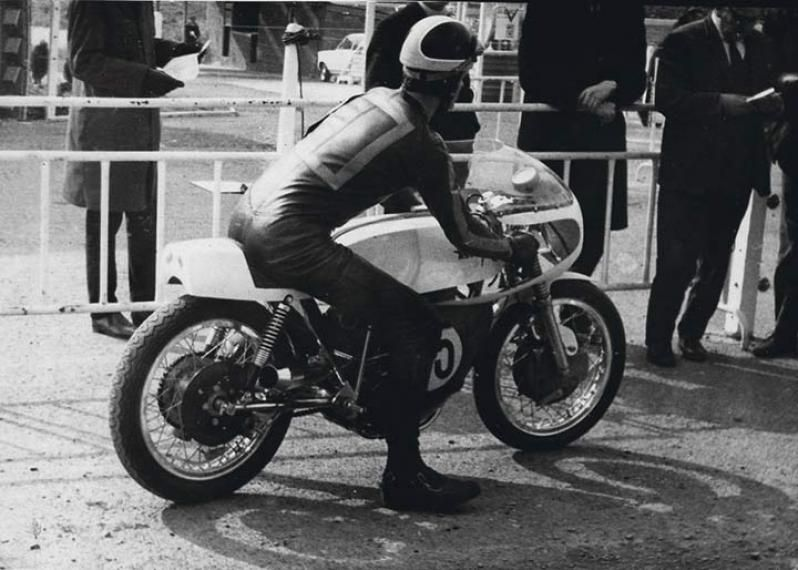 Tony Smith at Mallory Park in 1968 Classic Motorcycle Pictures