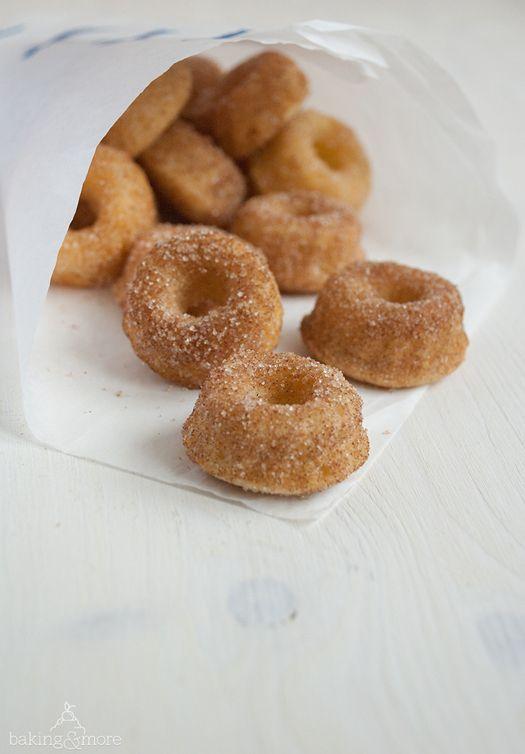 Mini Doughnut Gugl Mini Doughnut Bundt Cakes Lebensmittel Essen Miniguglhupf Rezepte Backrezepte