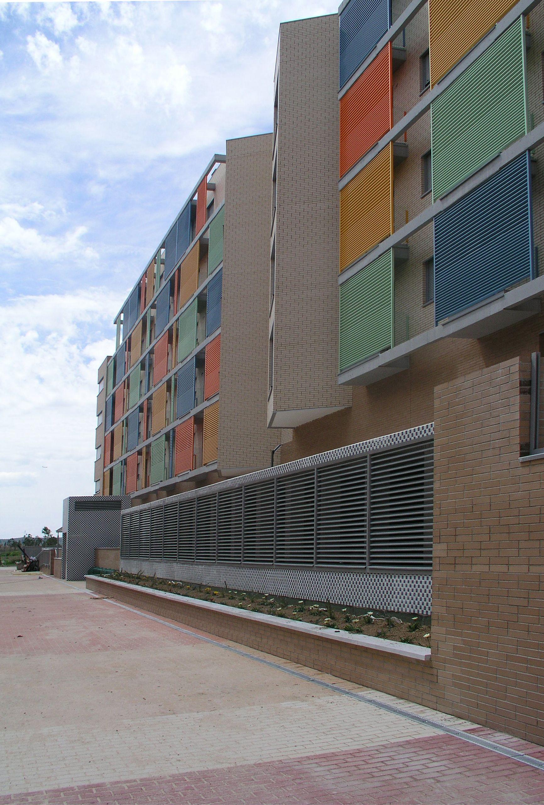 Edificio de 114 viviendas VPO. Ruiz Albusac Arquitectos. Torrejón de Ardoz (Madrid).