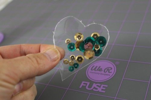 Free-hand shaker pocket. by @CraftTestDummies using the Fuse from @wermemorykeepers