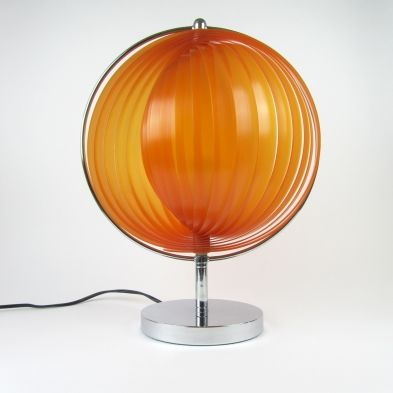 It S A Verner Panton Style Moon Lamp Found It My Bet Is That My Find Is The One They Actually Use On Set Found One In The Big Lamp Unusual Lamps Lumisource