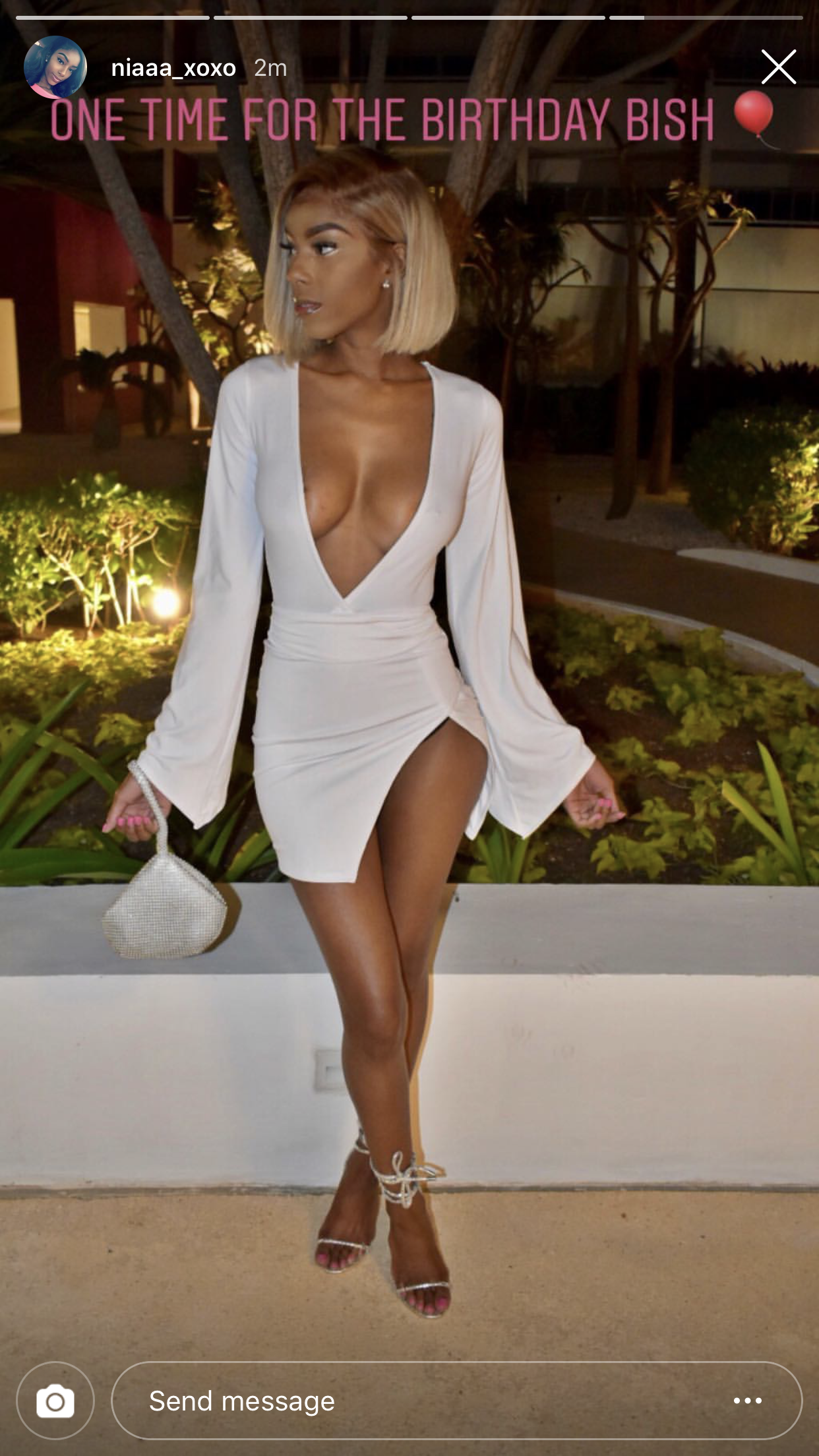 Wow She Looks Amazing Outfitinspiration Salvabrani 21st Birthday Outfits Birthday Outfit For Women Dressy Outfits [ 2208 x 1242 Pixel ]