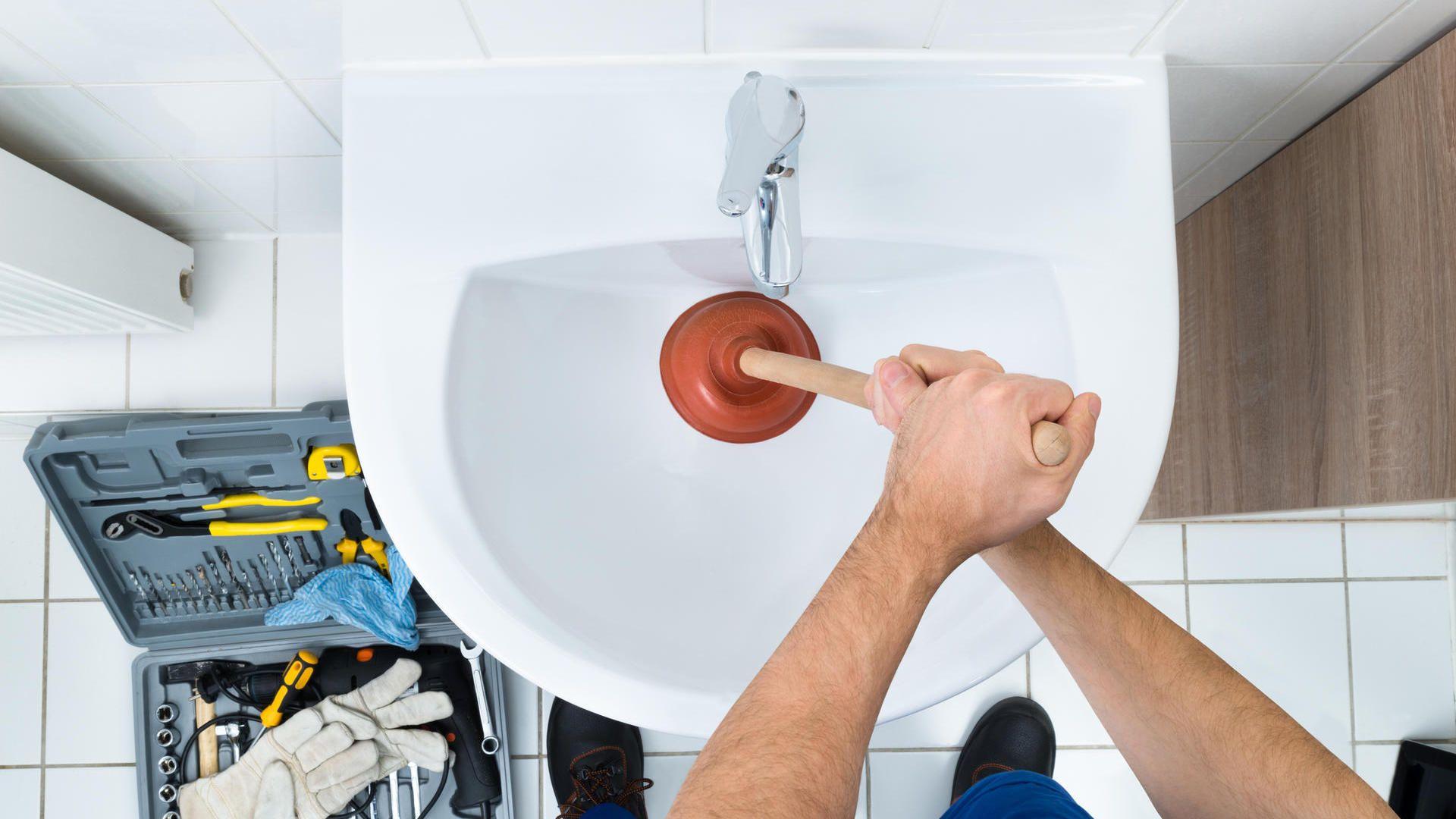 Was Tun Wenn Der Abfluss Verstopft Ist Rohrreinigung Rohr Reinigen Reinigen