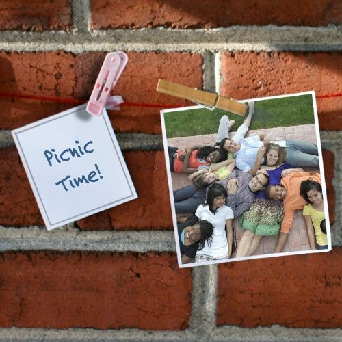 Share your picnic funtimes with this photo frame from ImageChef ...