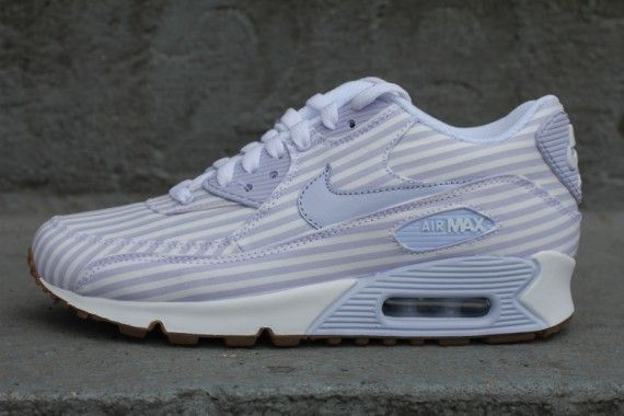 Nike WMNS Air Max 90 Palest Purple Stripes | Sneak Peak