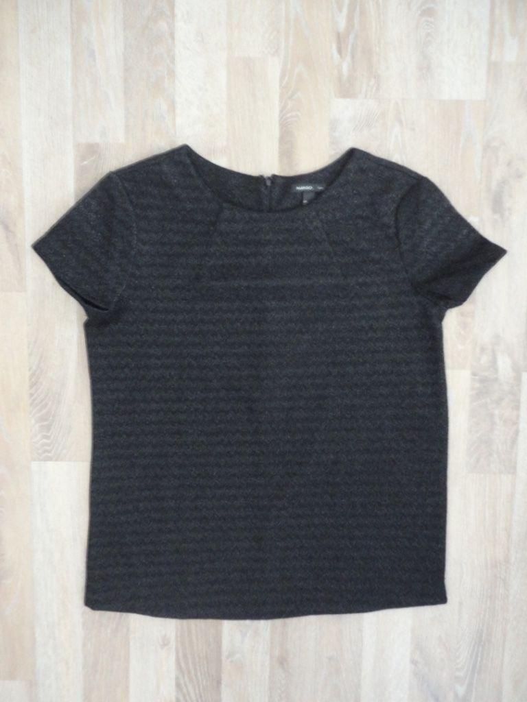 Remera de vestir negra metalizada #mango #mng #ComoNueva #ModaSustentable. Compra esta prenda en www.saveweb.com.ar!