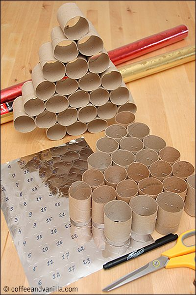diy christmas calendar made from upcycled kitchen roll tubes adventskalender tannenbaum und. Black Bedroom Furniture Sets. Home Design Ideas