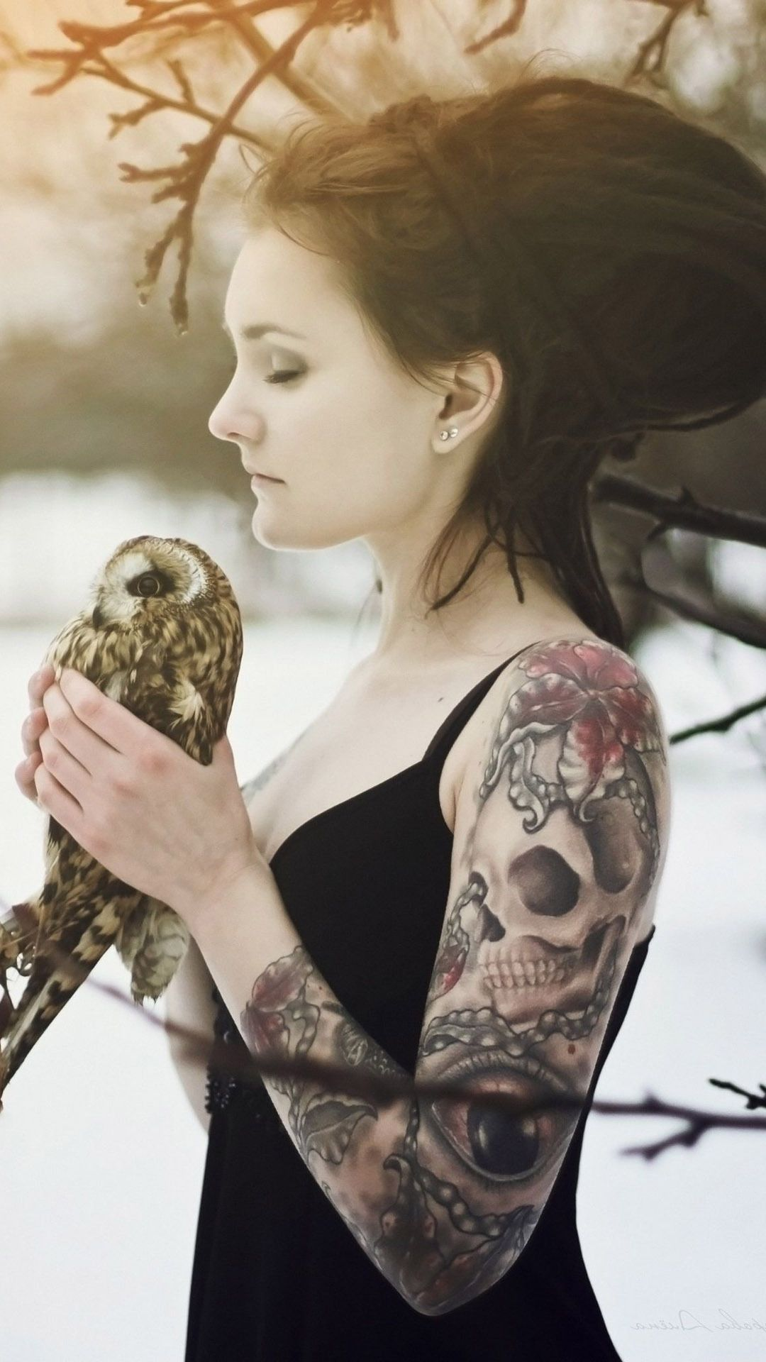 Tattooed Rasta Girl Holding An Owl Mobile Wallpaper 13416 Arm