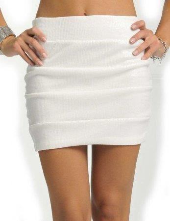 Сексуальная белая мини юбка