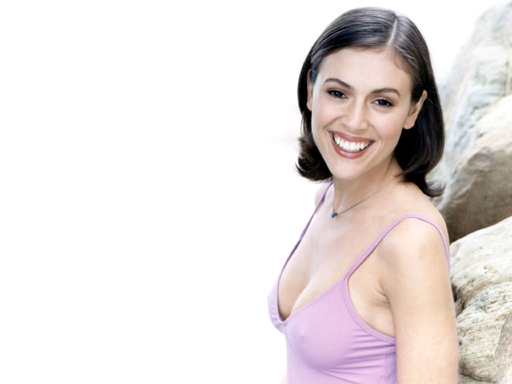 100 Pictures of Alyssa Milano Hugo Pool