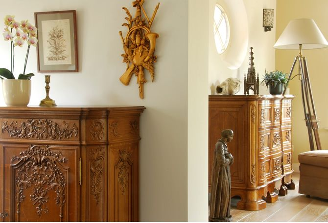 Hand Carved And Custom Made Liège Style Furniture. Reproduction Of Period  European Style